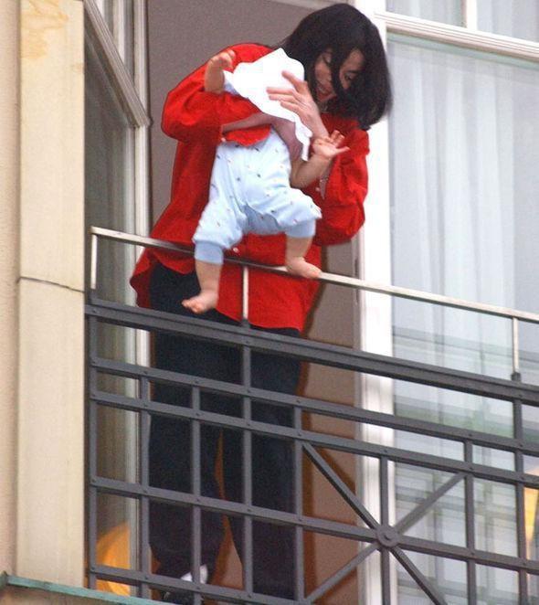 Con trai Michael Jackson o an sau khi bo mat-Hinh-2