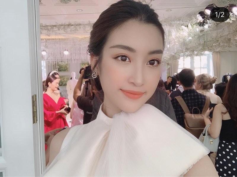 Hoa hau Do My Linh than lam dep that kho nhung day la cach hay-Hinh-6