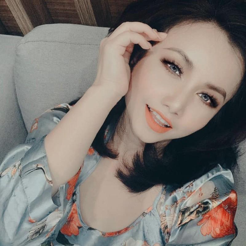 Hoang Yen: 3 cuoc hon nhan tan vo va cu soc sinh con tuoi 40-Hinh-3