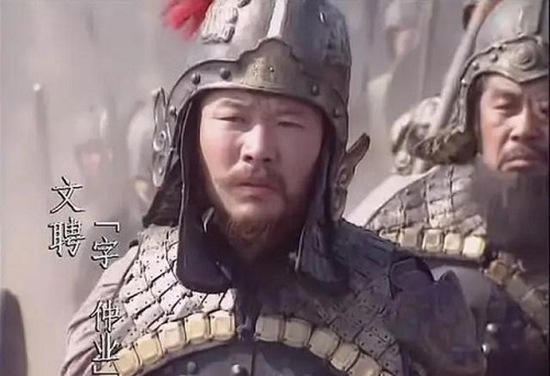 Manh tuong Luu Bieu: 1 theo Ton, 1 quy Tao, 1 vang danh thien ha-Hinh-3