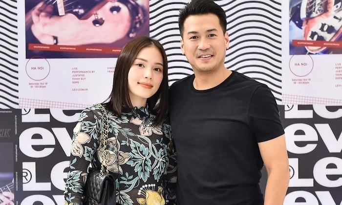 Ty phu Johnathan Hanh Nguyen gui 'nui' luong thuc cho con trai