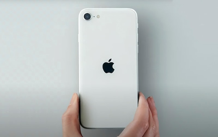 Chi ban cach 'tren tay' som iPhone SE 2020 ma khong can phai den cua hang-Hinh-2