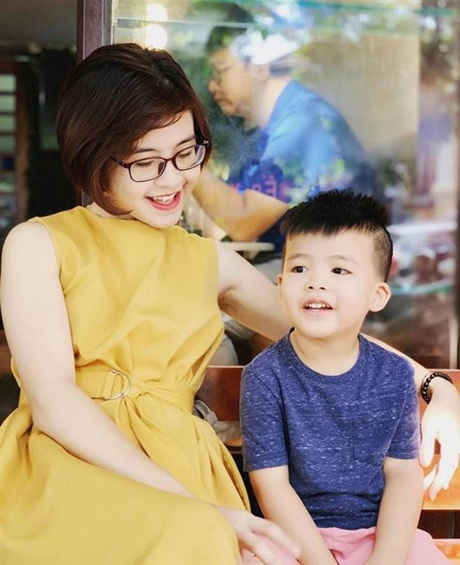 Bat ngo nhan sac be Luyen Cua de danh sau 20 nam-Hinh-11