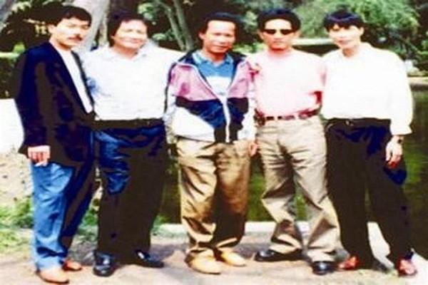 Nam Cam (ky 6): Giang 'dan boc duong' ha guc quan chuc