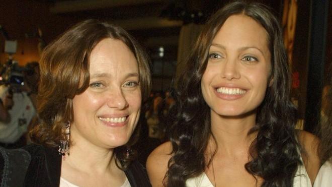 Angelina Jolie chia se qua khu khong nhin mat bo de