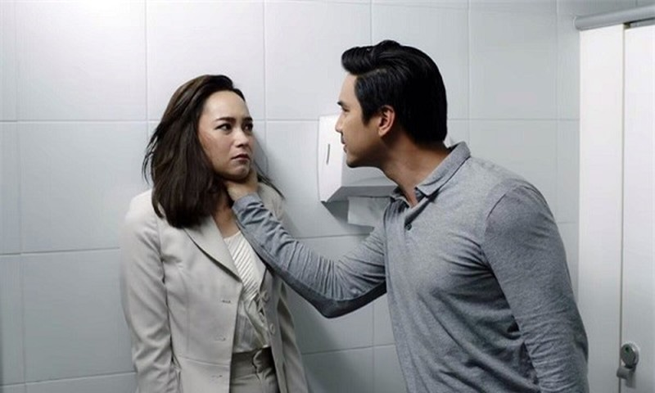 Anh trai khong xau ho, de vo chong em tra no thay minh
