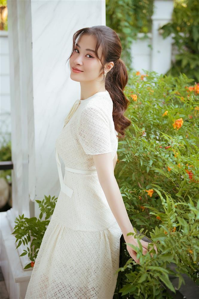 Hoa hau Thuy Lam - Dong Nhi - Vo Hoang Yen hoa ra la ban hoc-Hinh-4