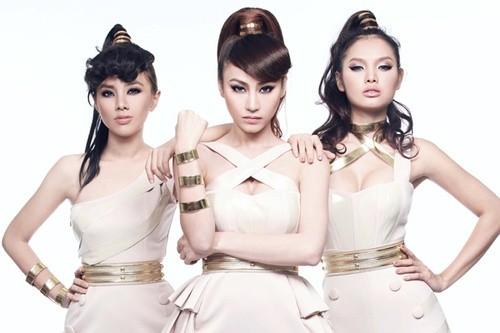 Ngan Khanh, Phuong Trinh Jolie va Lan Trinh sau khi dut ao ra di
