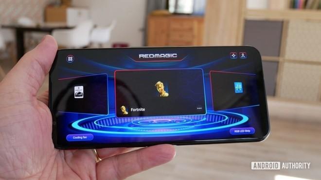 Nhung smartphone cuc dang de mua khi choi game-Hinh-6