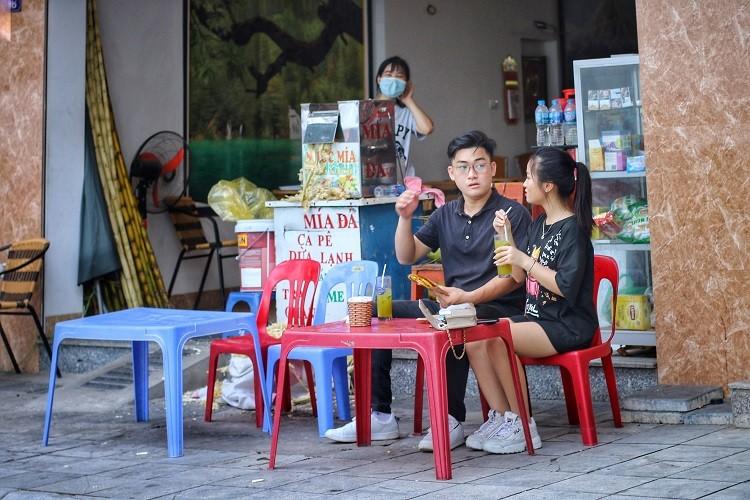 Hang quan ven ho Tay duoc dip hot bac-Hinh-5