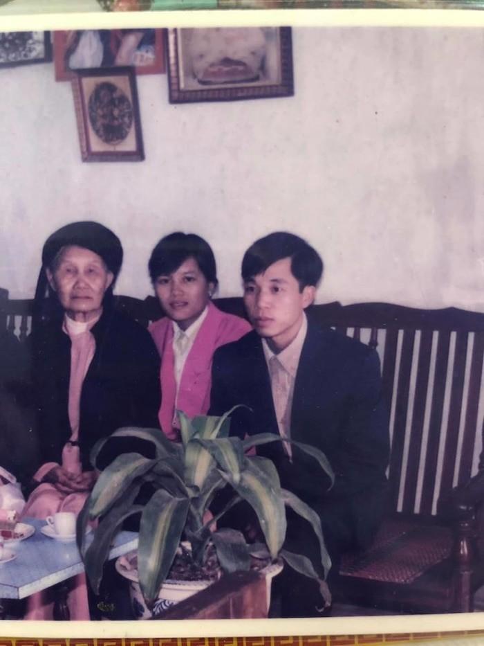 Linh Ngoc Dam khoe anh bo me: 'Nhan sac nay khong the dua duoc'