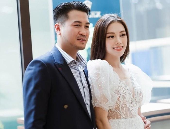 Linh Rin - Phillip Nguyen lam fans hoang mang chuyen tai hop-Hinh-6