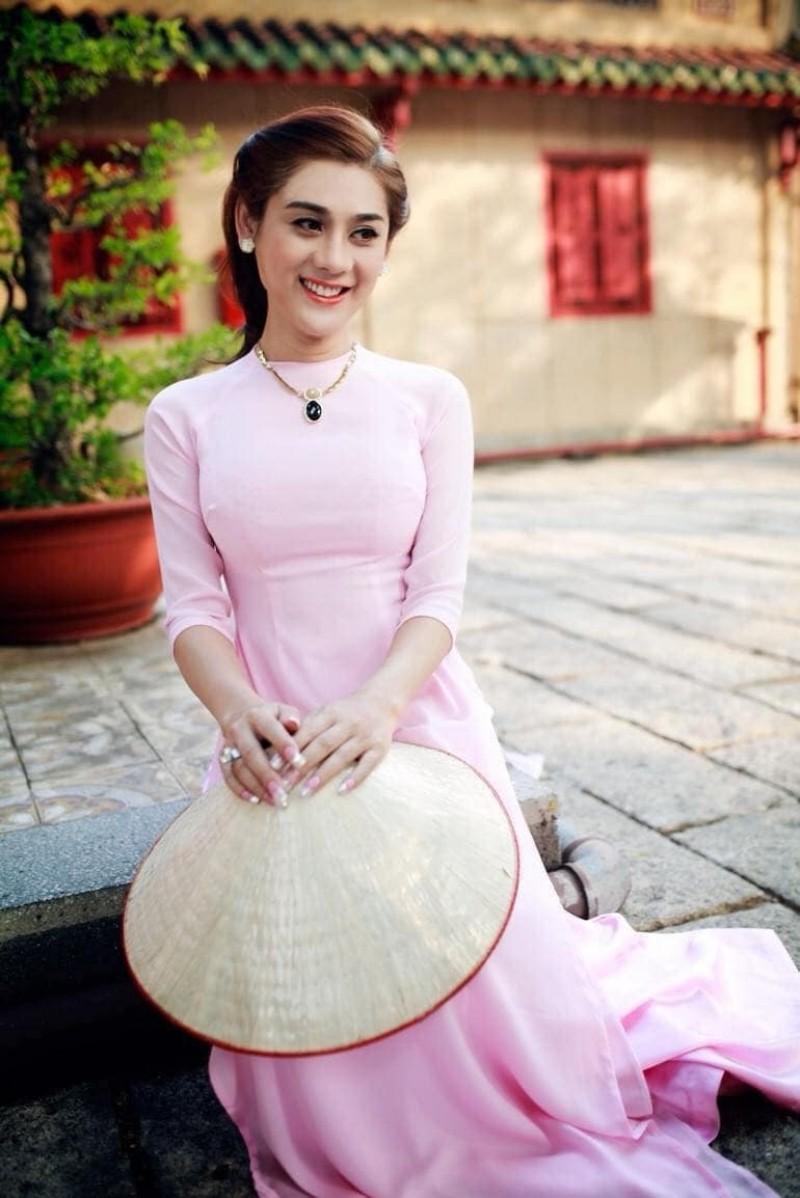 Bi to chinh anh, Lam Khanh Chi dap tra cuc gat-Hinh-3