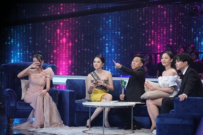 Hoa hau Thanh Khoa dau don ke bat gap 'Tuesday' tai giuong-Hinh-3