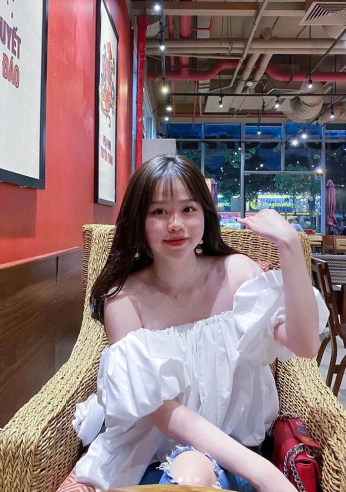 Quang Hai da dua ban gai moi ve ra mat gia dinh-Hinh-6