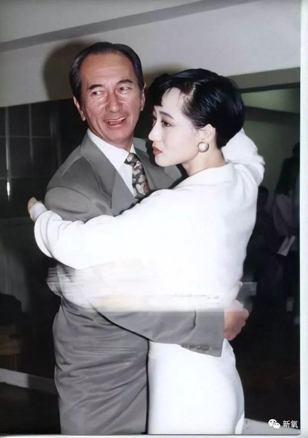 Moi tinh giai thoai giua 'vua song bai' Macau va A Loi Tri-Hinh-4