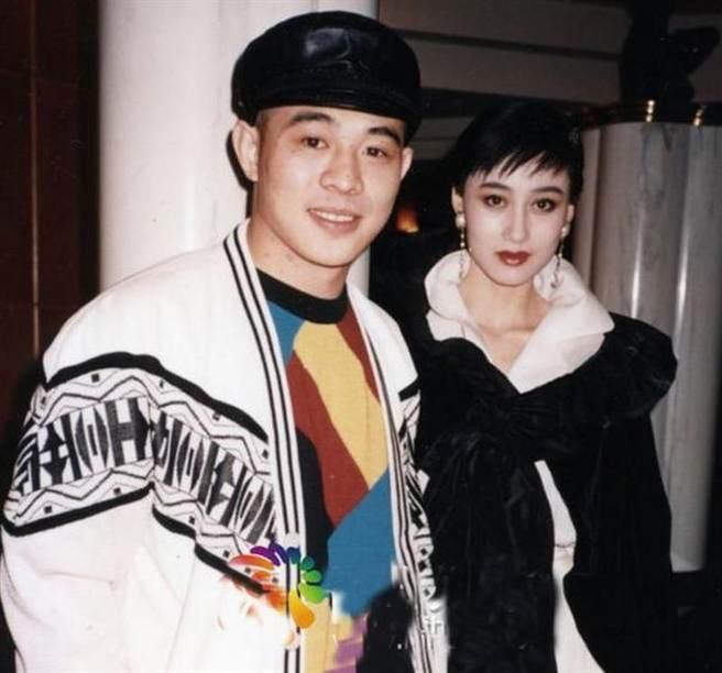 Moi tinh giai thoai giua 'vua song bai' Macau va A Loi Tri-Hinh-6