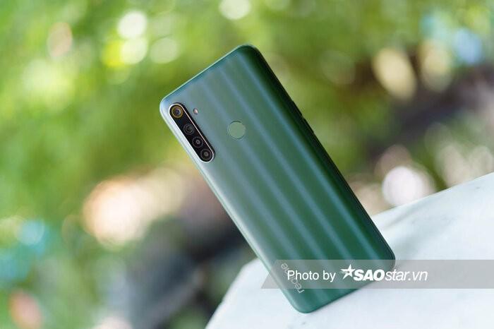 Pin Realme 6i: Dung luong 5000 mAh va sac nhanh-Hinh-4