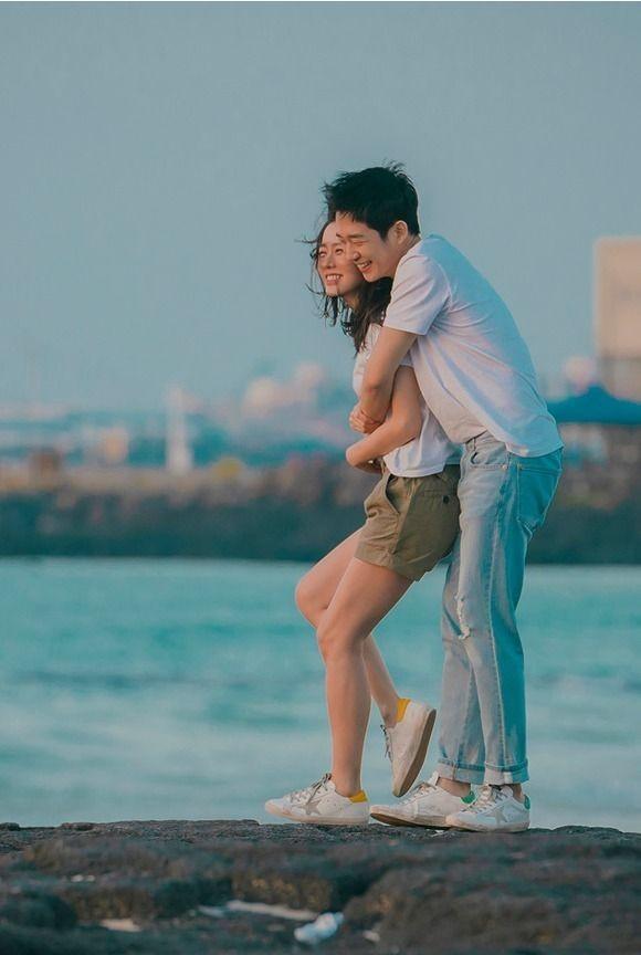 Day la 'chang trai vang trong lang cho doi' Son Ye Jin-Hinh-5