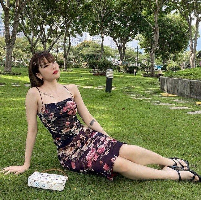 Ban gai Son Tung cuc goi cam du chang can ho bao