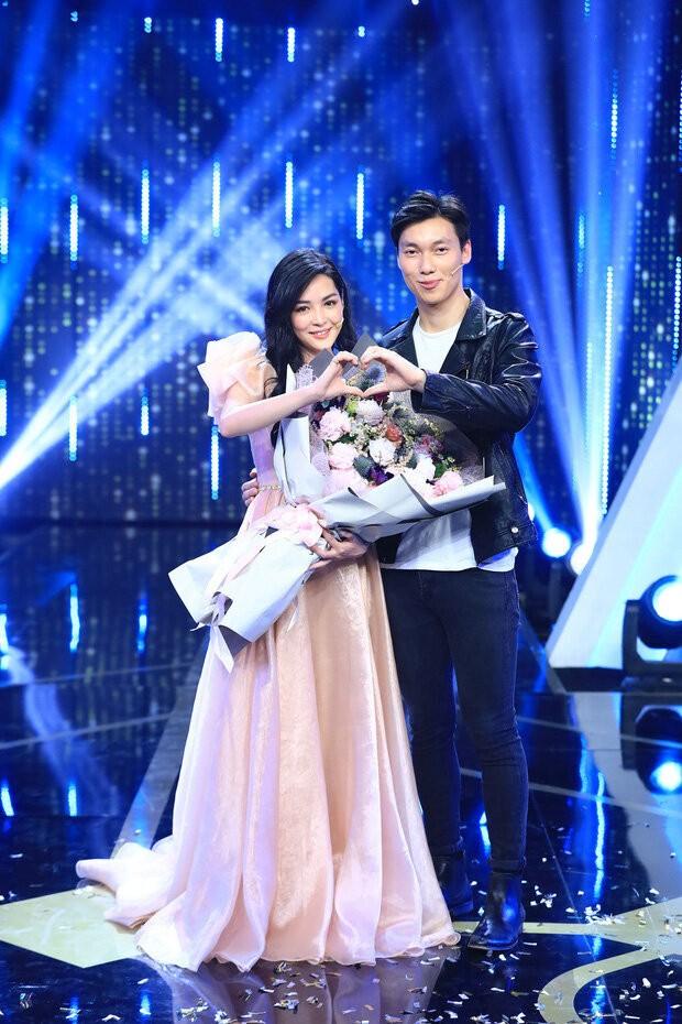 'Hotgirl tham my' len tieng 'canh cao' Alan Pham tha thinh vu vo-Hinh-6