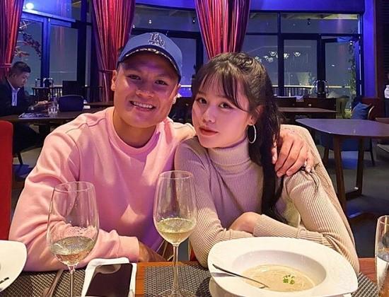 Ban gai Quang Hai