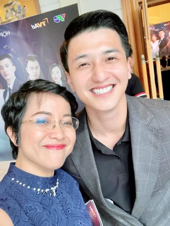Con trai MC Thao Van co nhieu net giong dien vien Huynh Anh-Hinh-2
