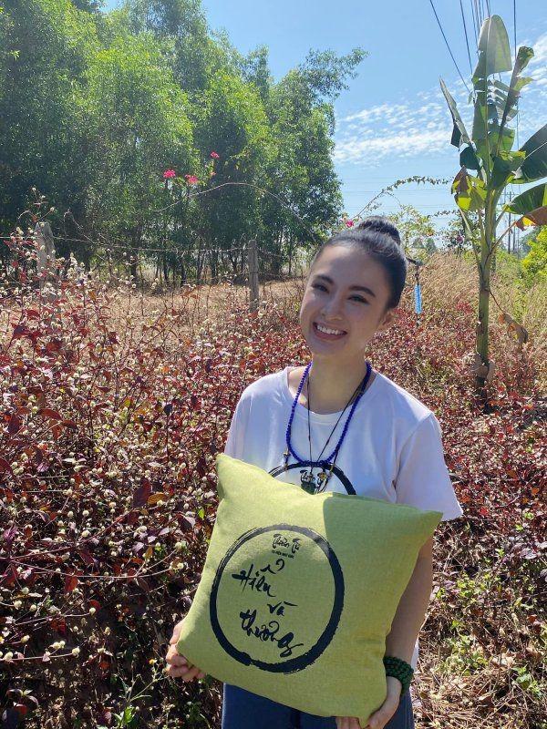 Diem danh 3 my nhan an chay xinh dep nhat lang giai tri Viet-Hinh-3