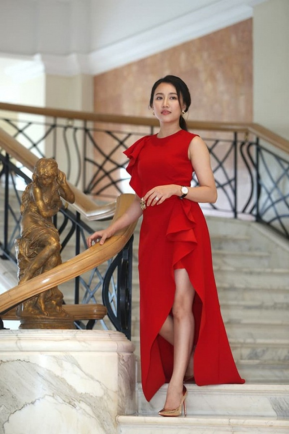 Huynh Hong Loan bat ngo tiet lo moi quan he voi Tien Linh