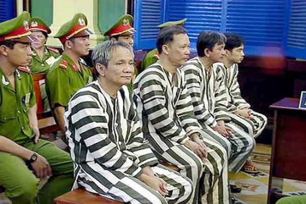 "Nam Cam (Ky 34): Nam Cam den toi va phien toa nhieu ""ky luc"""