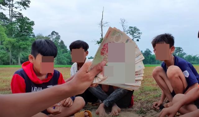 Youtuber noi tieng gioi tre Viet lam ai nghe cung ao uoc-Hinh-2