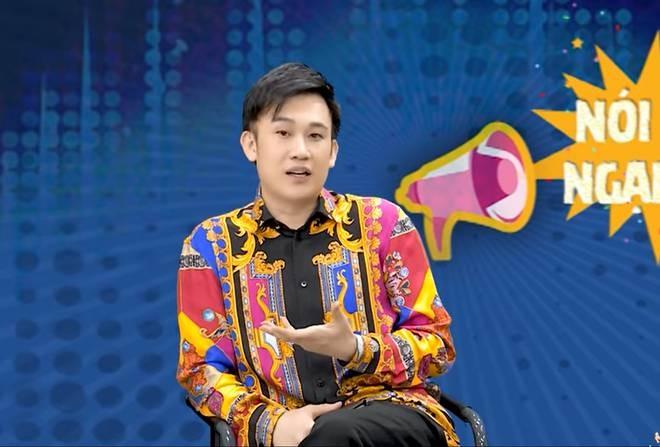 Phan ung cua Dam Vinh Hung khi bi Duong Trieu Vu vay 3 ty-Hinh-4
