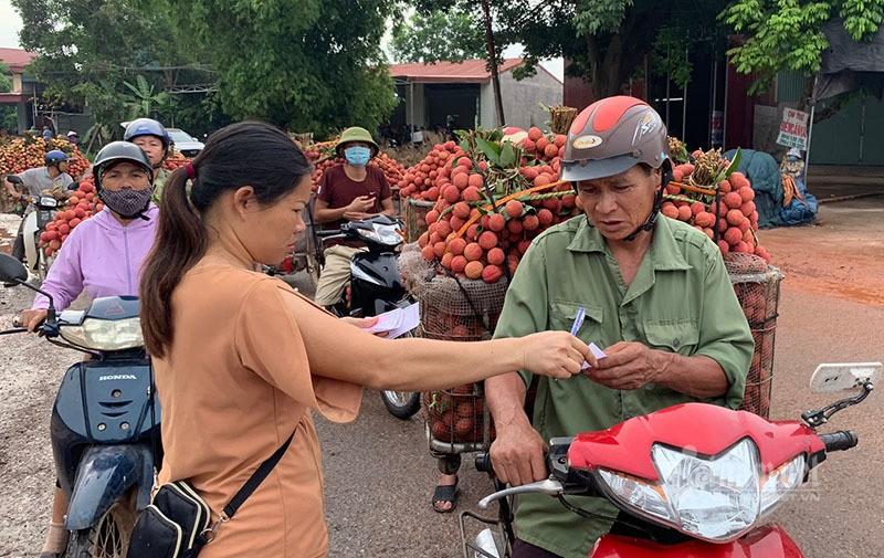 Het cach ly, 45 thuong lai Trung Quoc gom ngan tan vai thieu-Hinh-3