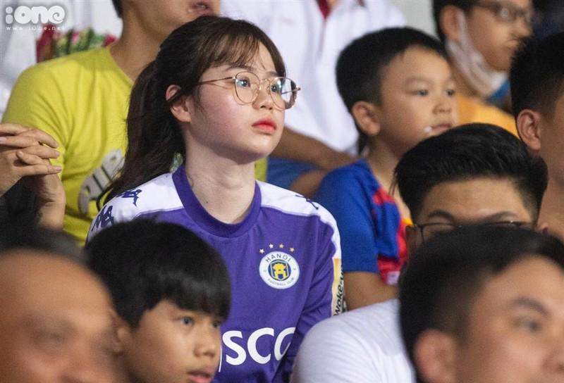 Vo Cong Phuong ghi diem, ban gai Quang Hai nen hoc tap-Hinh-4