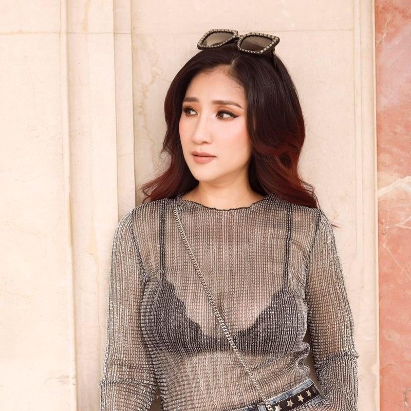 MC Cat Tuong tiet lo cuoc tinh tay ba voi 'phi cong'-Hinh-2