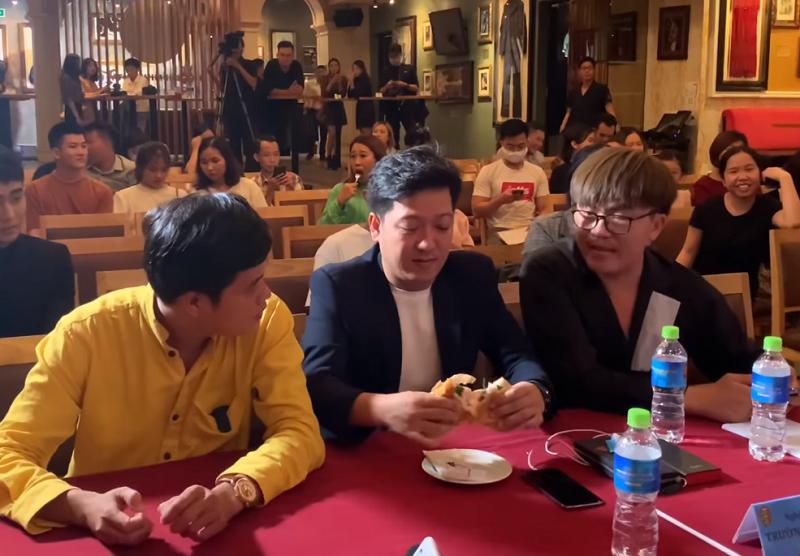 Truong Giang van an banh my 10 nghin dong du cuc giau co