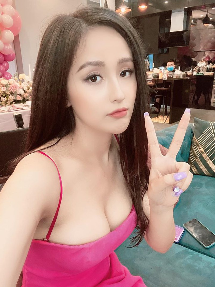 Mai Phuong Thuy an y chuyen ran nut voi ban trai sieu giau-Hinh-2