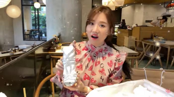 Xem Hari Won dap hop qua sinh nhat sieu lay-Hinh-15