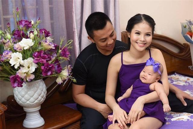 Nhung nghe si Viet lay vo kem nhieu tuoi-Hinh-5
