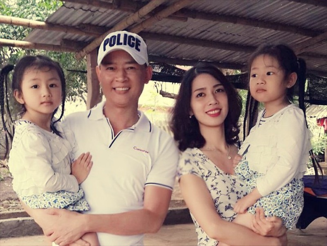 Nhung nghe si Viet lay vo kem nhieu tuoi-Hinh-6