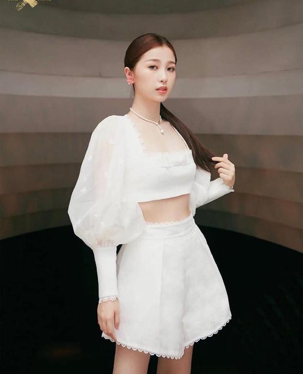 Khoe mat moc nhung 'thanh lo' Ngu Thu Han lai bi che toi boi-Hinh-7