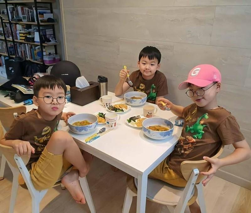 Song Il Gook tiet lo dieu dac biet ve Daehan - Minguk - Manse-Hinh-6