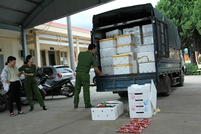 3,5 tan dau nghi cua Trung Quoc 'bay' vao Da Lat-Hinh-3