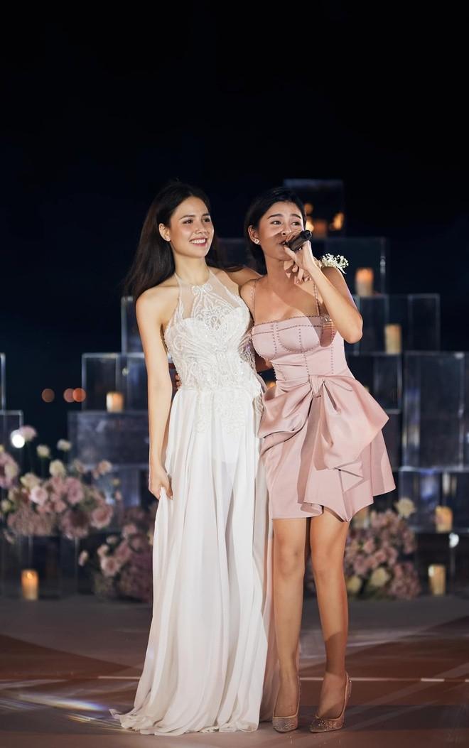 Diem trung hop dac biet giua Phanh Lee va MC Thu Hoai-Hinh-12