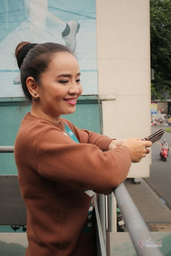 Hoai An 'Nguoi dep Tay Do' va qua khu dam nuoc mat-Hinh-9