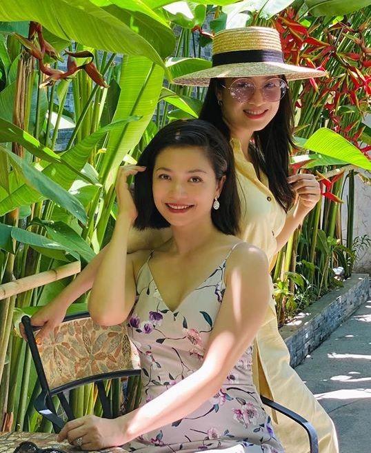Kieu Anh va Thu Nga 'Phia truoc la bau troi' sau 19 nam