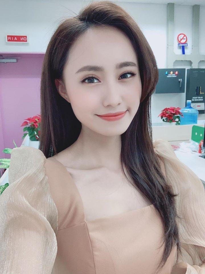 4 nu MC tre trung nhat nhi VTV: Nhan sac khong thua hoa hau-Hinh-18