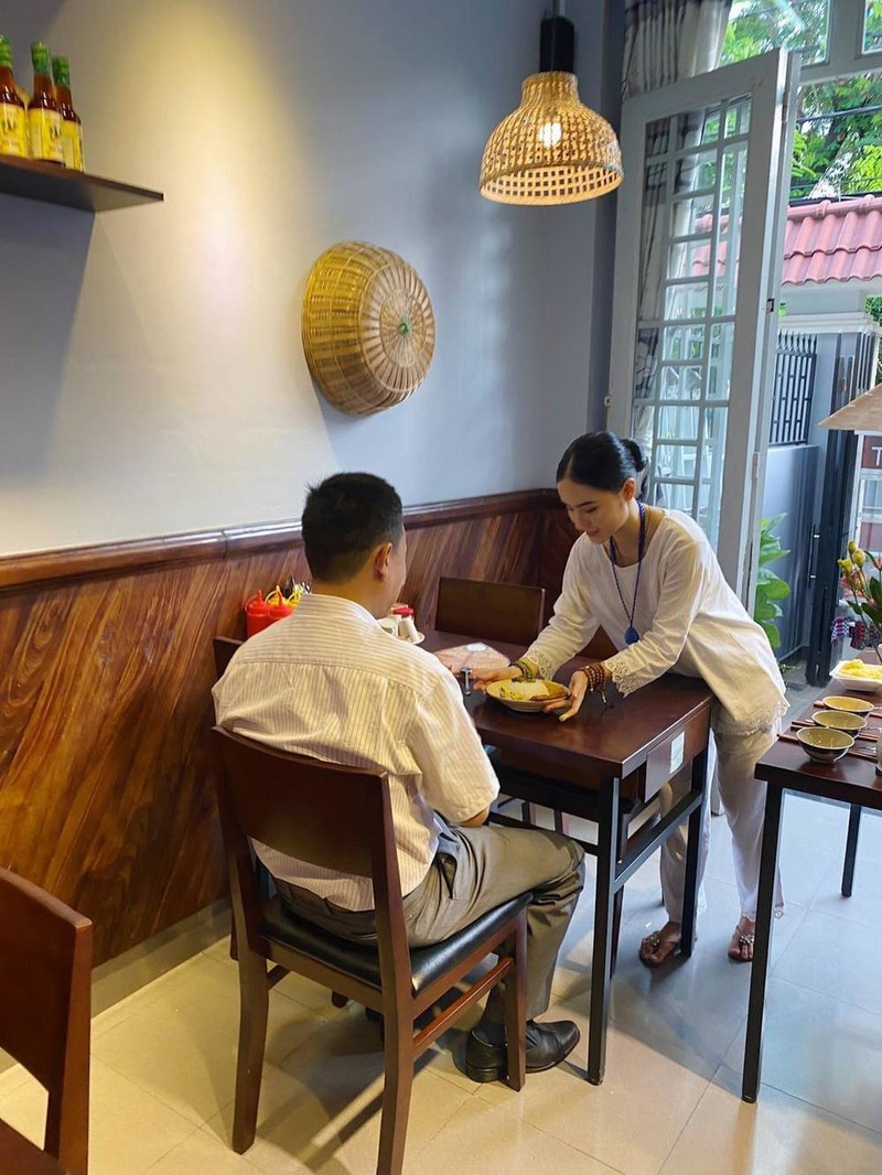 Cuoc song gian di cua Angela Phuong Trinh sau khi roi showbiz-Hinh-2