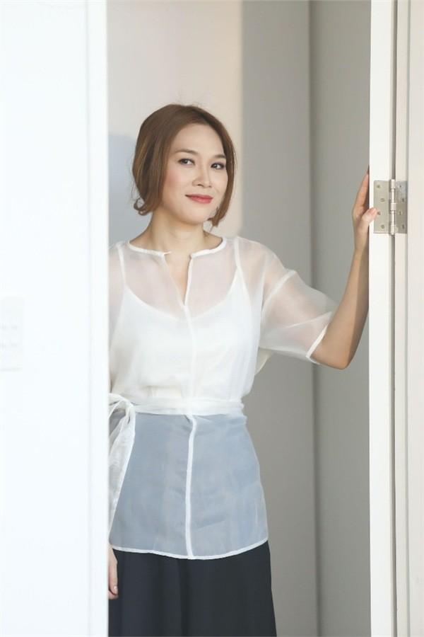 Top 3 my nhan Viet 'lao hoa nguoc' tre trung nhu gai doi muoi-Hinh-6