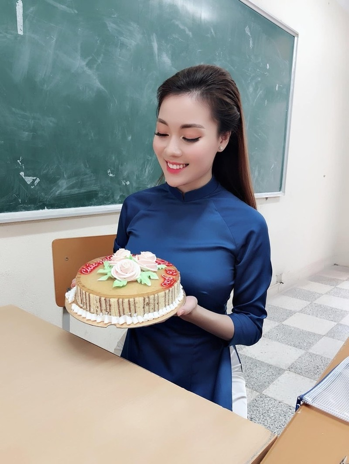 3 nu giang vien 'hot' nhat hien nay-Hinh-9
